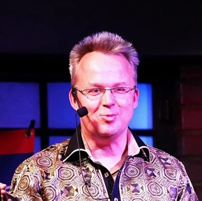 Dr Nik Eberl